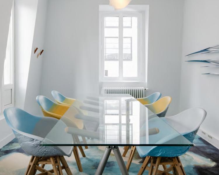 table de réunion design d'intérieur - réemploi