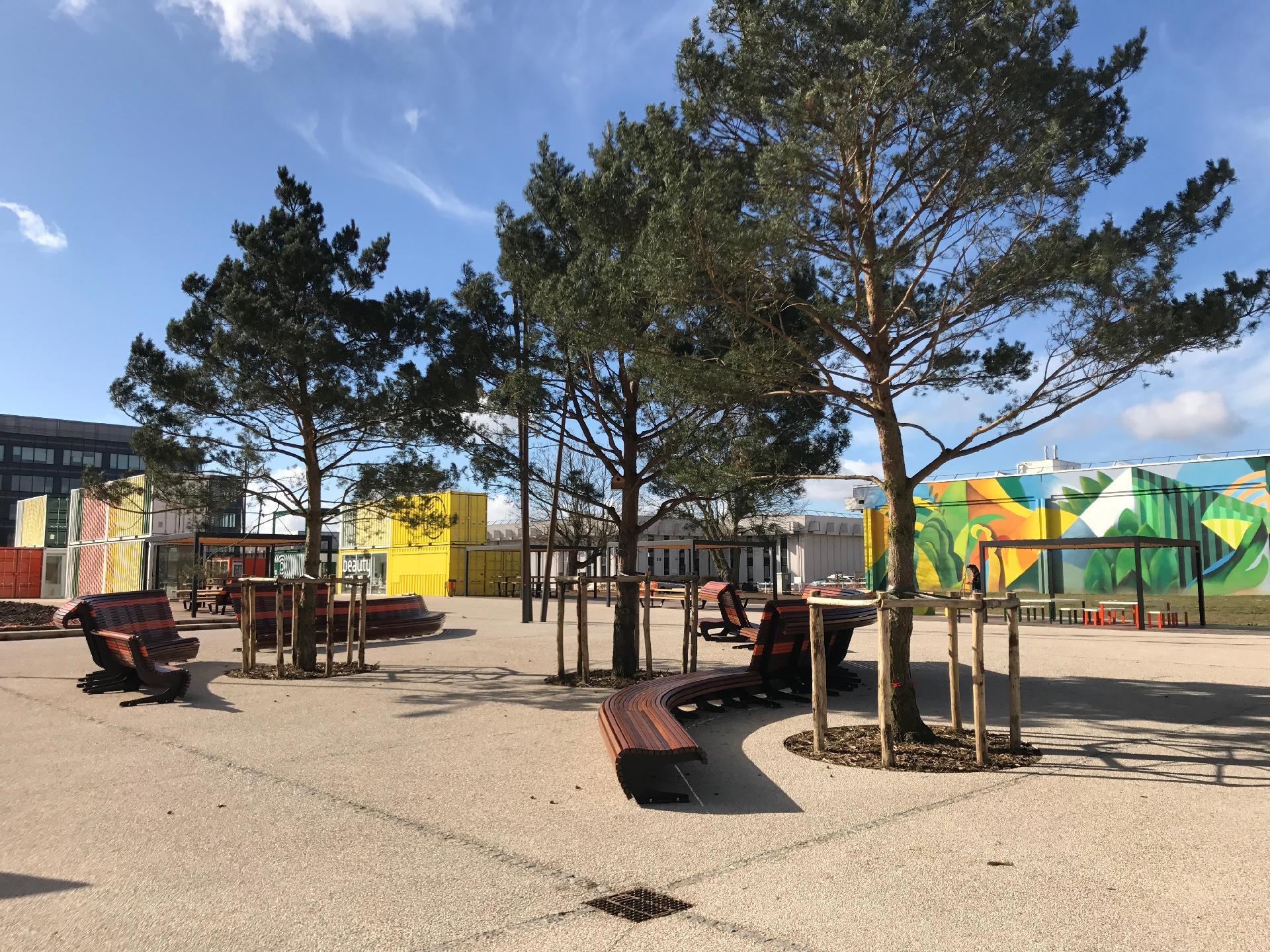 parc utilisant des matériaux de réemploi