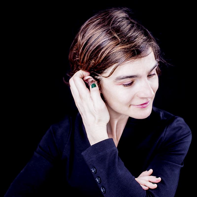 Portrait de Annelise-Leymarie ©-Nadia-Rabhi